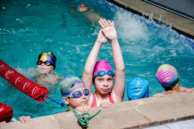 В кружках и спортивных секциях занимаются почти 105 тысяч детей Днепропетровской области