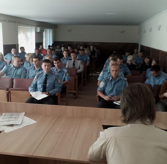 В Кривом Роге патрульных учат, как действовать в случае возникновения чрезвычайных ситуаций