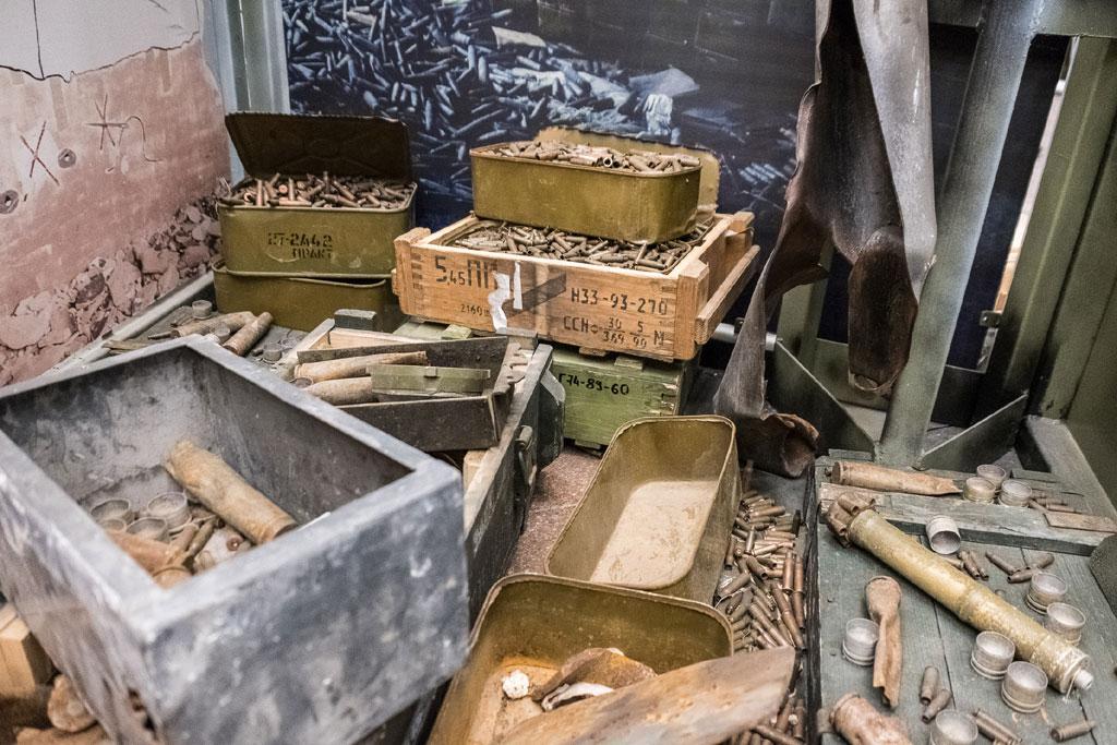 У Днепропетровской ОГА высадили 180 туй в память о погибших бойцах АТО - Цензор.НЕТ 7836